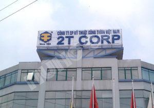 bộ chữ nổi trên nóc tòa nhà