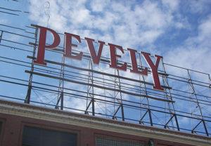 Biển quảng cáo nóc tòa nhà tại hà nội